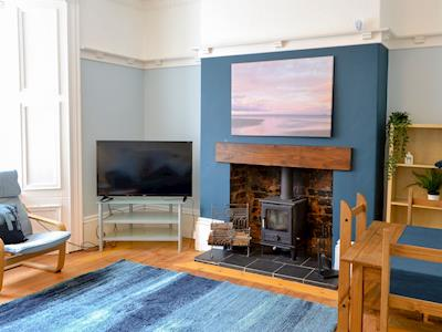 Comfortable living and dining room | Surfer's Retreat, Tynemouth
