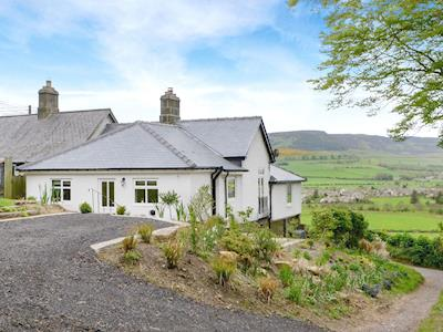 Contemporary holiday home in a stunning location | Ferncliffe Cottage, Thropton, near Morpeth