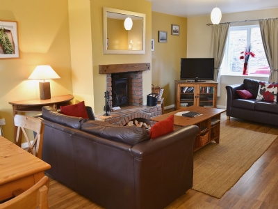 Living room/dining room | Erskine Cottage, Seahouses