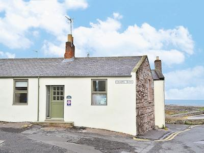 A traditional fisherman's cottage | The Coracle, Seahouses