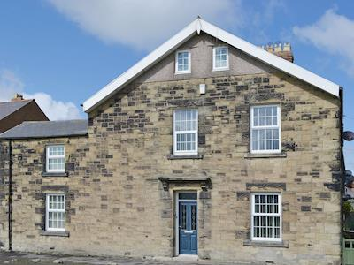 Spacious period holiday home on the Northumbrian coast | Island View, Amble