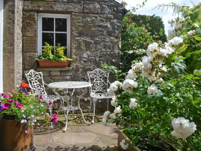 Sitting-out-area | Daleside - Rose Cottage, Nr. Keswick