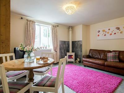 Cosy open plan living/dining room/kitchen | Lancaster Cottage, Bamber Bridge, near Preston