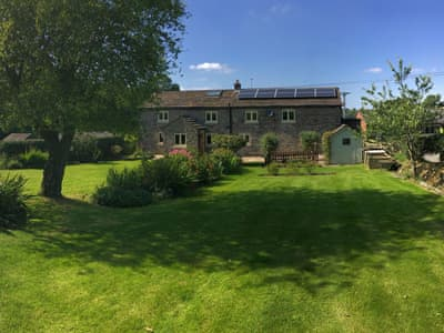 Attractive holiday home | The Farmhouse - Little Pethills Farm, Sutton, near Macclesfield