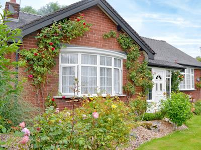 Delightful, charming, holiday home | Rose Cottage, Scarisbrick, near Southport