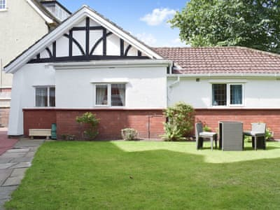 Lovely detached bungalow | Strathmore Lodge, Southport