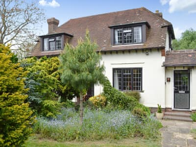 Beautiful detached holiday cottage | Lime Cross Cottage, Herstmonceux, near Hailsham
