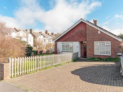 Lovely detached bungalow | St Christopher's, Broadstairs