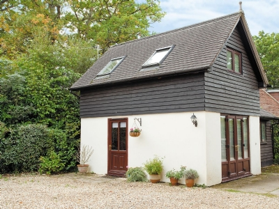 Exterior | The Lodge Thie Ny Keyll, West Wellow, nr. Romsey