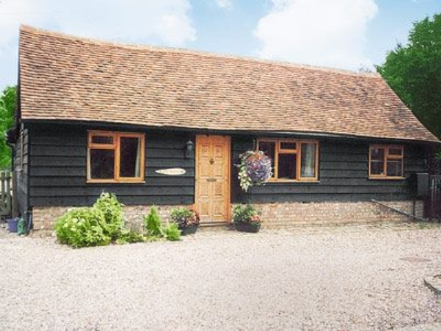Cool Holiday Cottage In Chartridge With 2 Bedrooms For Rent Home Interior And Landscaping Palasignezvosmurscom
