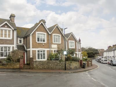 Characterful terraced holiday home | Downs Gate Cottage, Eastbourne