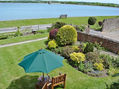 Breathtaking reservoir views | Polhills Cottage - Polh, Arlington, near Eastbourne