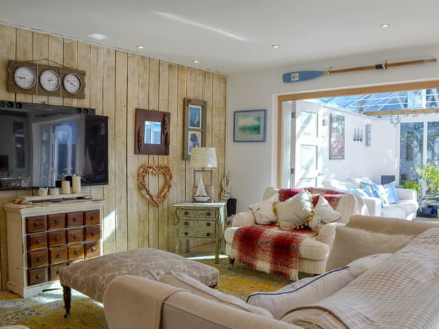 Stylishly and comfortably furnished Living room | Anchor Cottage, Hayling Island