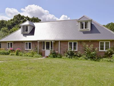 Attractive holiday property | Bourne Cottage, Fishbourne, near Ryde