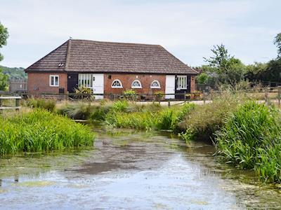 Tranquil waterside holiday home | Bramley Cottages, Rye Foreign, Rye