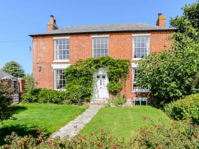 Beautiful detached Grade II listed manor house | West Street House, Selsey