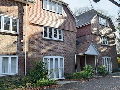 Spacious,well-presented apartments | Room and Roof Serviced Apartments, Southampton