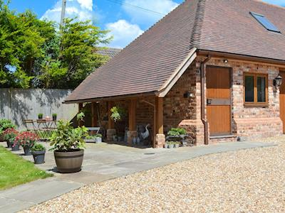 Delightful holiday home | The Cottage, Piltdown, near Uckfield