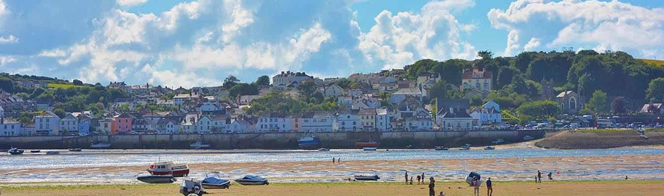 Terrific Holiday Cottages In Devon Self Catering By The Sea Beutiful Home Inspiration Aditmahrainfo