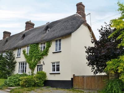 Wonderful 400 year old 'chocolate box' thatched cottage | Cross House, Sheepwash, near Hatherleigh