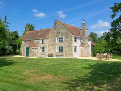 Fantastic holiday property in a perfect setting | Bucks Cottage, Baltonsborough, near Glastonbury