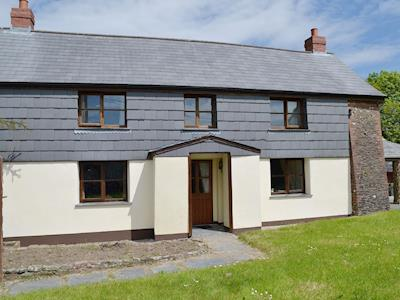 Substantial holiday cottage on the Devon/Cornwall border | Slate House, Chilsworthy, near Holsworthy