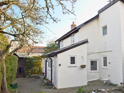 Delightful, large holiday property | Apple Tree Cottage, Charmouth