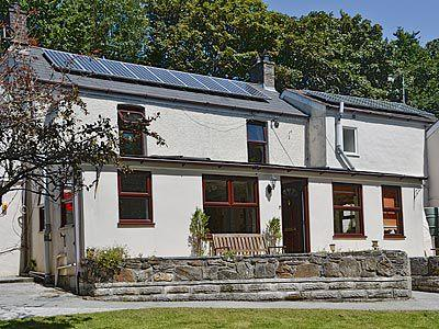 Exterior | Bannsvale Farm Holiday Cottages - Bannsvale Farmhouse, Mount Hawke, nr. St Agnes