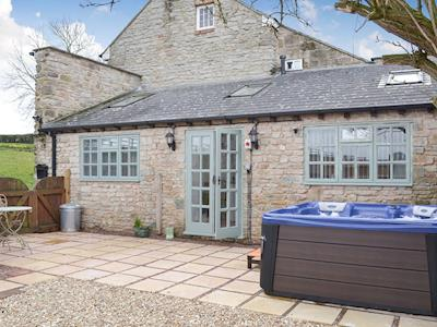 Great holiday property with Hot tub | Lambs Lodge, Bradford-on-Tone, near Taunton