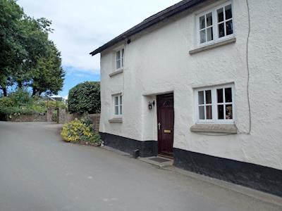 Charming 17th century cottage | Lanes Cottage, Kentisbeare, near Cullompton