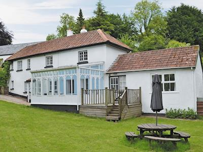 Well-presented holiday cottage | Old Ford House Cottage - Old Ford House Cottages, Tiverton