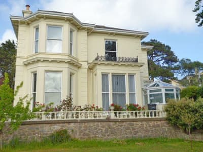 Torquay Holiday Cottages To Rent Self Catering Accommodation In South West England