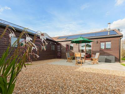 Immaculately presented holiday home | Swallows' Nest, Wool, near Wareham