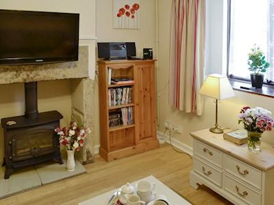 Welcoming living room | Granary Cottage, South Petherton