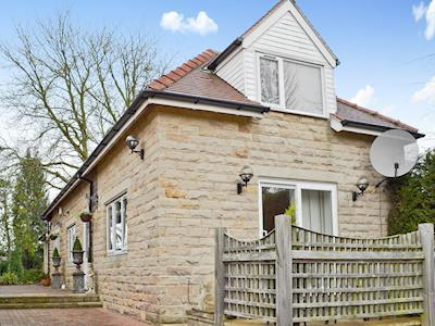 Lovely stone built detached cottage | South Lawn Coach House, Dore, near Sheffield