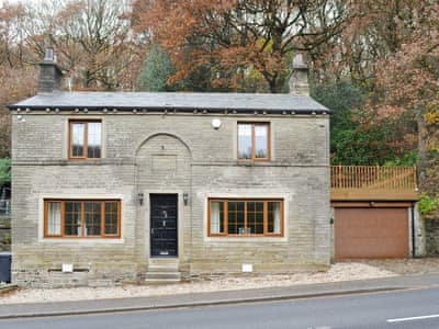 Wonderfully unique stone-built detached holiday property | Spring Wood Cottage, Netherton, near Holmfirth