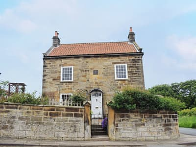 Wonderful double fronted detached holiday home | Rose Cottage, Fylingthorpe, near Whitby