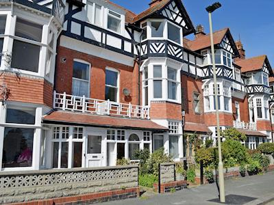 Stunning duplex apartment | South Cliff Sands, Scarborough